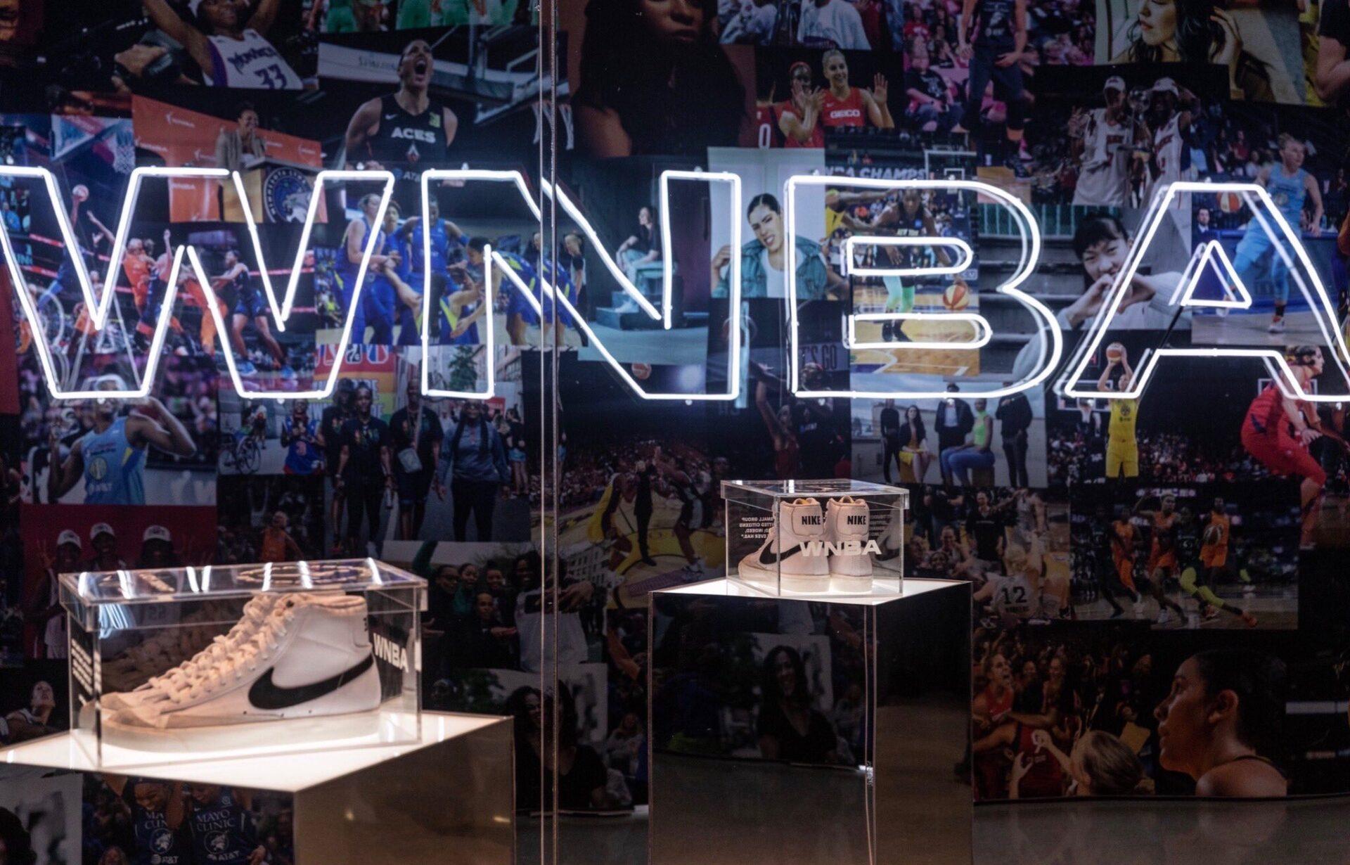 LA WNBA DRIBLA HACIA EL CAMBIO
